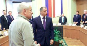 Медали «За защиту Крыма» вручены родным погибших под стенами парламента 26 февраля 2014 года