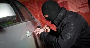 Угнать угнал, но сбежать не смог: в Феодосии сотрудники ГИБДД задержали угонщика авто