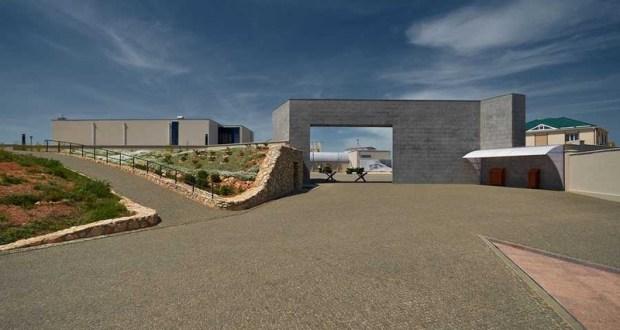 Как бы кому-то не хотелось, но комплекс «35-я береговая батарея» - не лучший региональный музей