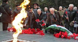 В Симферополе отмечают День Защитника Отечества