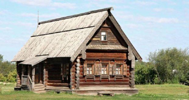 Верховный суд России: старые дома можно оформить в собственность по сроку давности