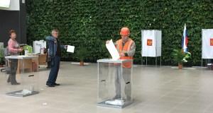 В Крыму строители аэропорта голосовали на самом большом избирательном участке в России