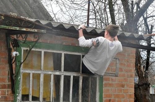 В Севастополе поймали паренька-форточника
