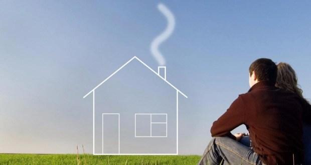 В Феодосии по иску прокуратуры суд обязал предоставить жилье семьям-погорельцам