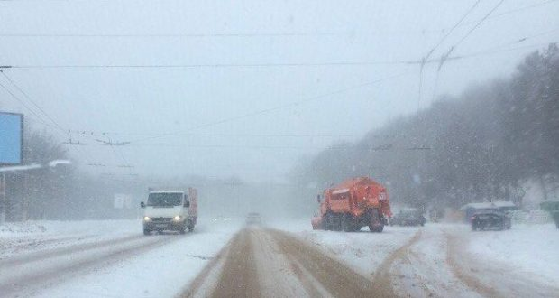 Снегопад в Крыму - до конца дня