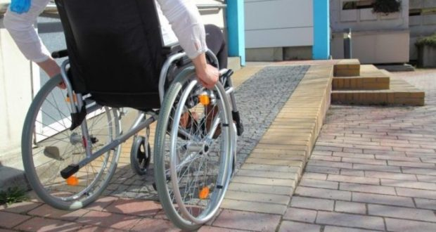 Администрация Симферополя потратит почти 10 млн рублей на адаптацию города под нужды инвалидов