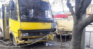В Симферополе, в ДТП на проспекте Победы пострадали шесть человек