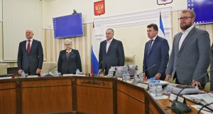 В Крыму заседание Совета министров Республики началось с минуты молчания