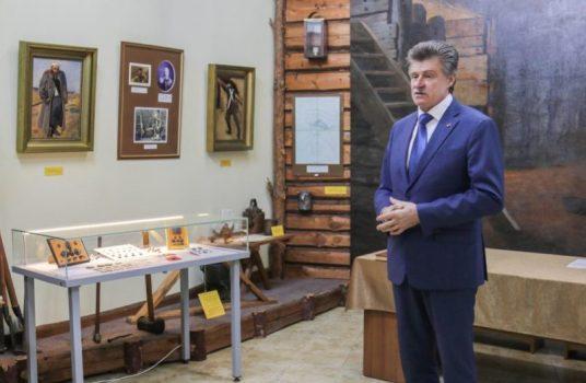 ФСБ передала Севастопольскому музею свыше 500 артефактов