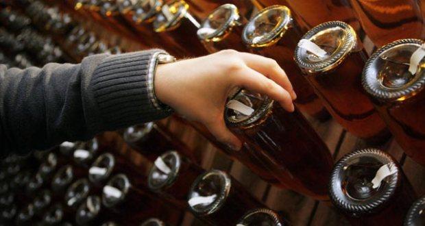 """Эксперт: виноделы Крыма перешли """"на более интересные"""" вина из-за дефицита воды для полива"""