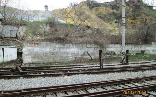 В Севастополе в районе железнодорожного вокзала активизировался оползень