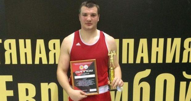 Боксёр Павел Дорошилов - чемпион студенческого спортивного союза