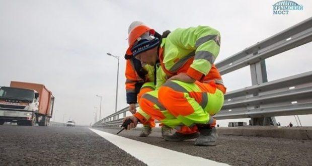 На автодорожной части Крымского моста завершена укладка асфальтобетона