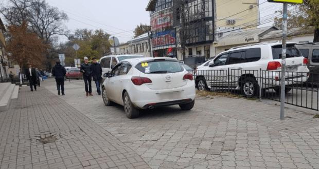 """С начала года в Симферополе составлено 124 протокола за парковку """"не там"""""""