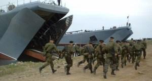 Морская пехота Черноморского флота отработали погрузку десанта на БДК