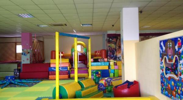 игровую комнату «Непоседа» в симферопольском ТЦ «Центрум»