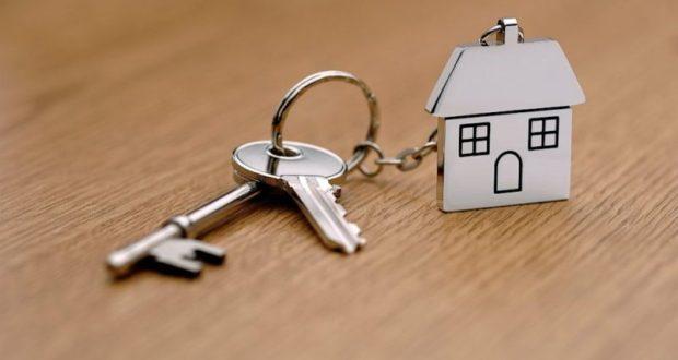 В Кировском районе двое сирот получили квартиры. Благодаря прокуратуре