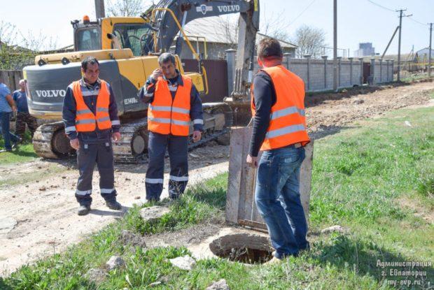 В микрорайоне Спутник-1 в Евпатории началось строительство новых дорог