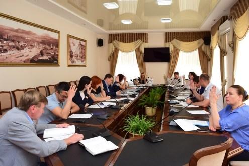 Власти Симферополя обещают снести более 50 самовольных конструкций