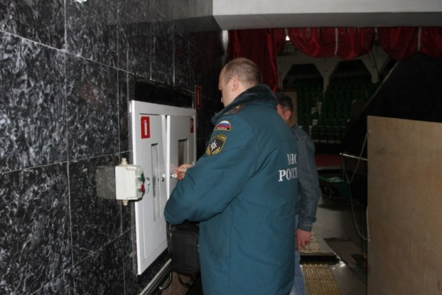 В Симферополе МЧС и прокуратура проверили ТРЦ «FM» и цирк