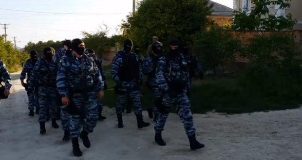 Обыски в крымском Белогорске. Версии