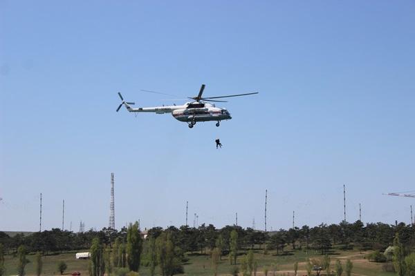 Крымские спасатели тренировались на Симферопольском водохранилище