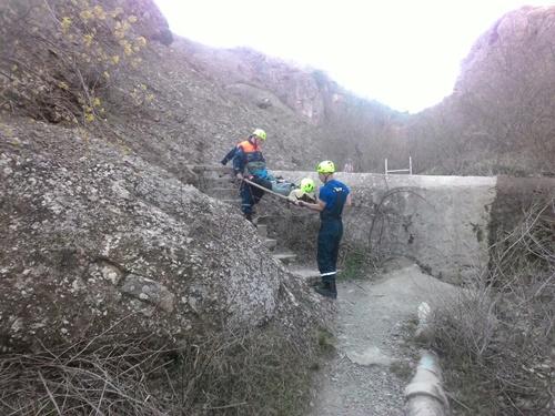 """Воскресенье """"КРЫМ-СПАС"""" провёл в горах: эвакуировал и искал туристов"""