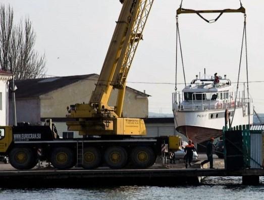 В Керчи состоялся спуск на воду катера МЧС «Дмитрий Михайлик»