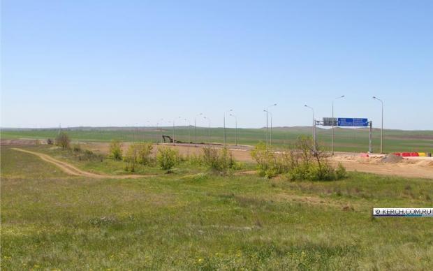 Из Керчи прямиком можно попасть в Анапу и Новороссийск. Указатели говорят