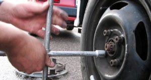 В Севастополе поймали вора, снявшего колёса с автомобиля ВАЗ