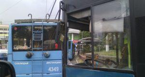 Причина пробок в центре Симферополя – обрыв троллейбусной контактной сети
