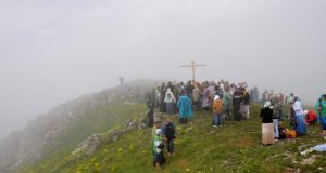 28 мая в Крыму - Крестный ход на церковный мыс горы Чатыр-Даг