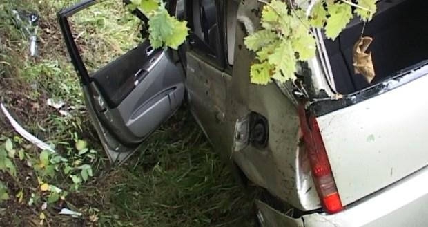 В Симферополе мужчина, угрожая ножом, забрал у женщины машину и... не справился с управлением