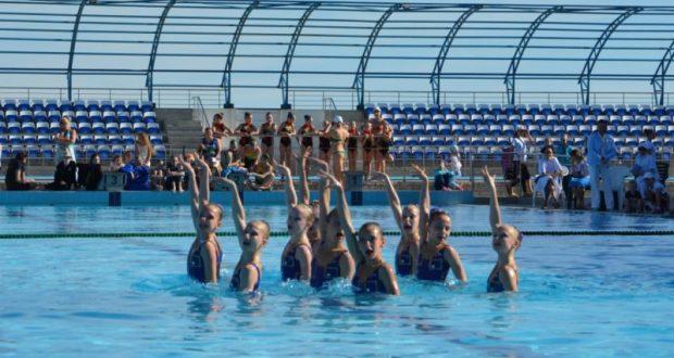 В Евпатории проходит Республиканский турнир по синхронному плаванию «Евпатория Open»