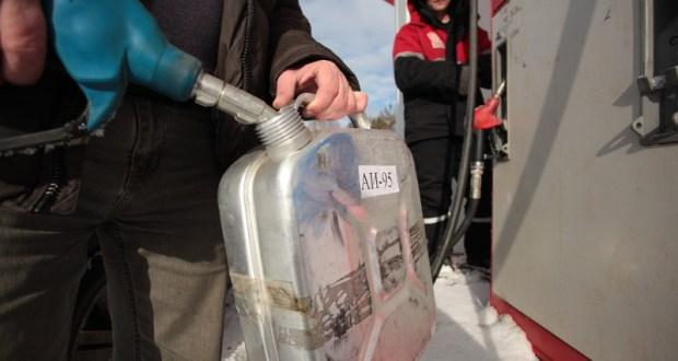 15 АЗС в Крыму торговали некачественным топливом