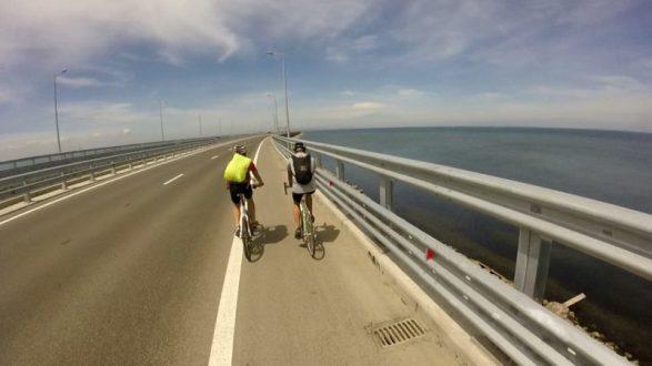 Состоялся первый велопробег по Крымскому мосту