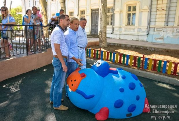 В Евпатории открыли первую в Крыму мягкую площадку для малышей