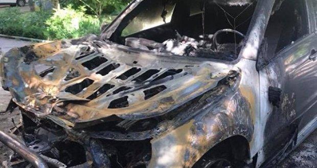 В Симферополе горят автомобили. Уже в который раз