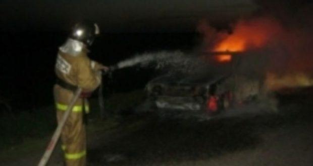 Ночью в южнобережном поселке Гаспра сгорел автомобиль