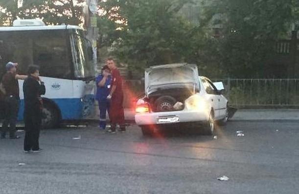 Смертельное ДТП в Симферополе. Один человек погиб, еще четверо пострадавших