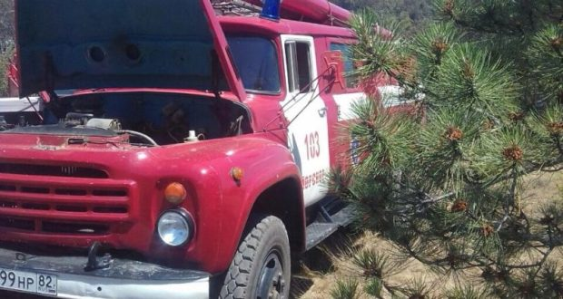 Крымские спасатели не допустили возникновения лесного пожара под Судаком