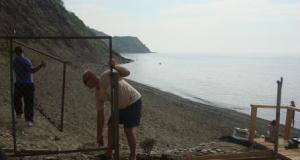 В посёлке Утёс под Алуштой демонтирован забор, преграждавший доступ к пляжу