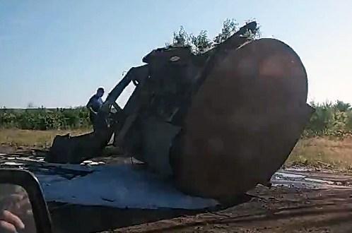 На дороге «Евпатория – Севастополь» перевернулся бензовоз