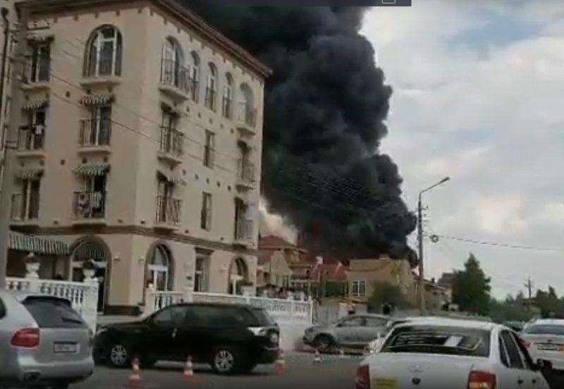 Первые версии крупного пожара в Евпатории