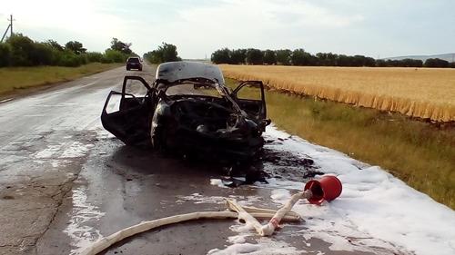 В Кировском районе Крыма загорелся ВАЗ 2110