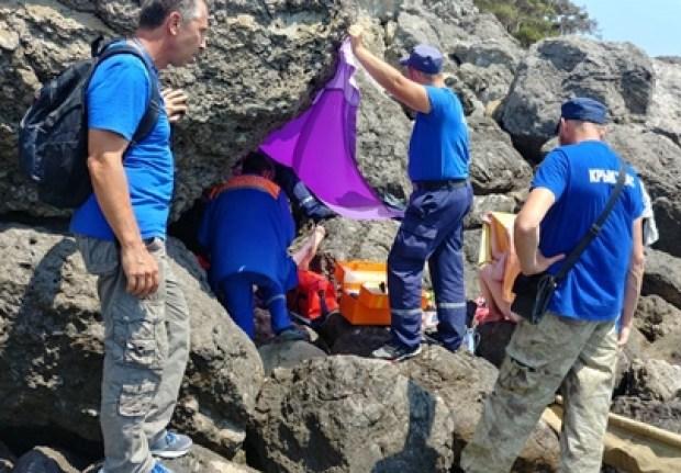 В районе Веселовских пляжей, под Судаком, спасали девушку