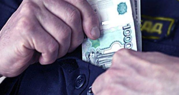 Двое бывших крымских госавтоинспекторов предстанут перед судом