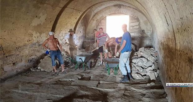 Крымчан зовут присоединиться к работам по исследованию и восстановлению крепости «Керчь»