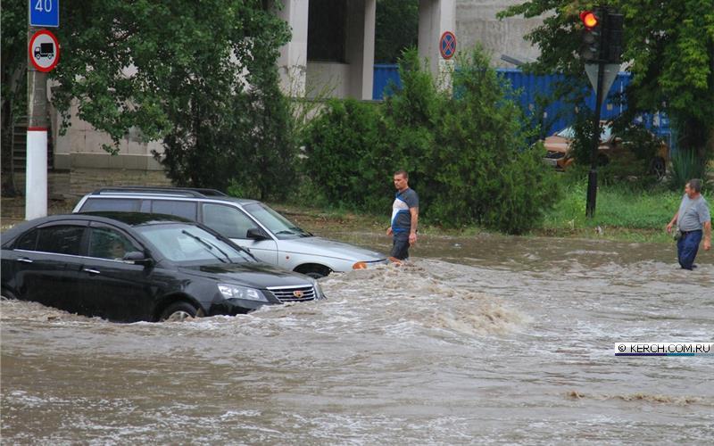 Ливень и настоящий потоп в Керчи. Как это было, и последствия непогоды