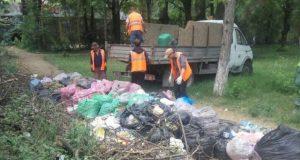 В Симферополе убирают стихийные свалки